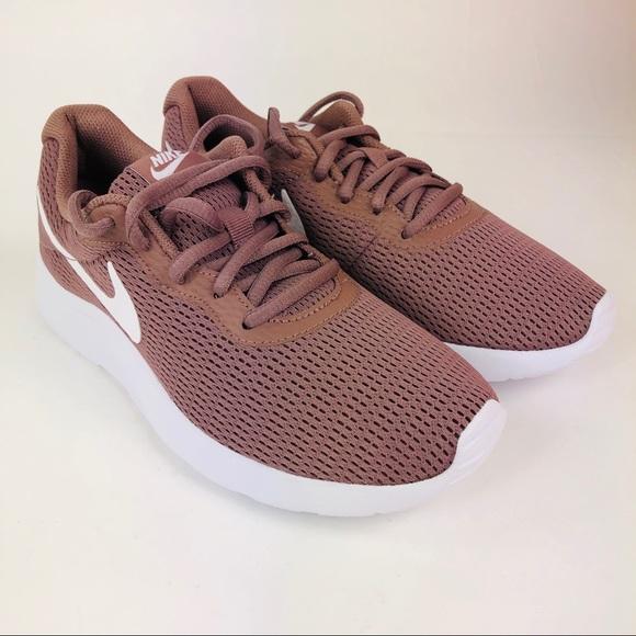 388b900f9b4 Nike Tanjun Women Running Shoes 6 Smoky Mauve Mesh